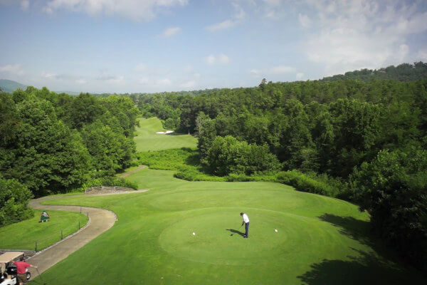 http://www.brasstownvalley.com/wp-content/uploads/2014/09/Brasstown-Valley-Packages-And-Specials-Traditional-Golf-Packages.jpg