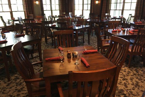 http://www.brasstownvalley.com/wp-content/uploads/2014/09/Dining-Room-2.jpg