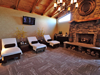 Brasstown-Valley-Romantic-Mountain-Getaways-Staying-At-The-Spa