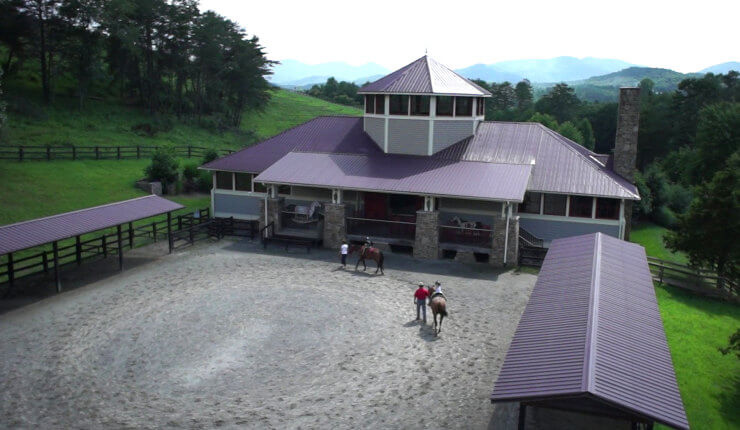 brasstown valley stables outside