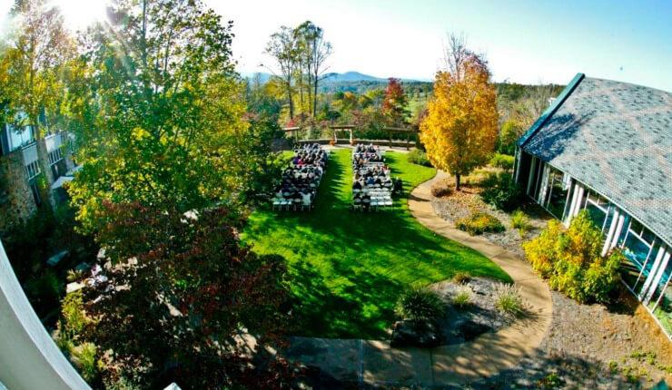brasstown-valley-weddings_waterfall-lawn