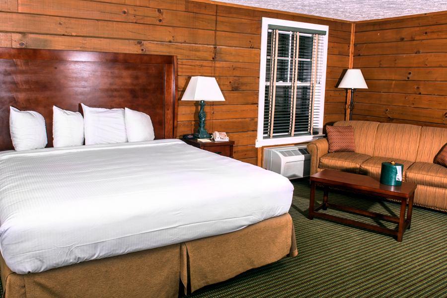 900 CabinBedroom